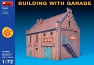 Здание с гаражом